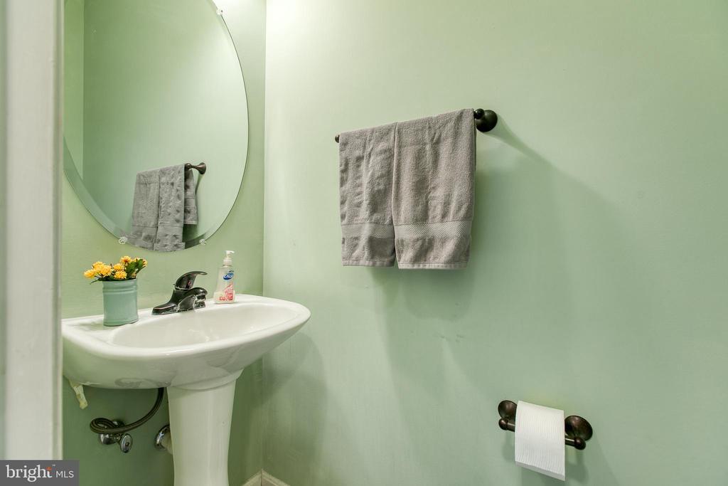 Powder room /half bath off living room - 10864 DEPOT DR, BEALETON