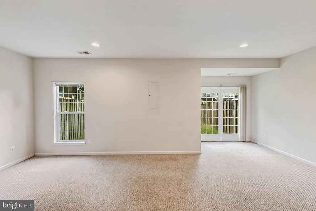 Great Space for a Game Room - 43270 MORVEN SQ, ASHBURN