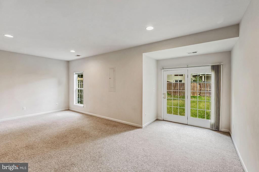 Finished Basement with Walk Out - 43270 MORVEN SQ, ASHBURN