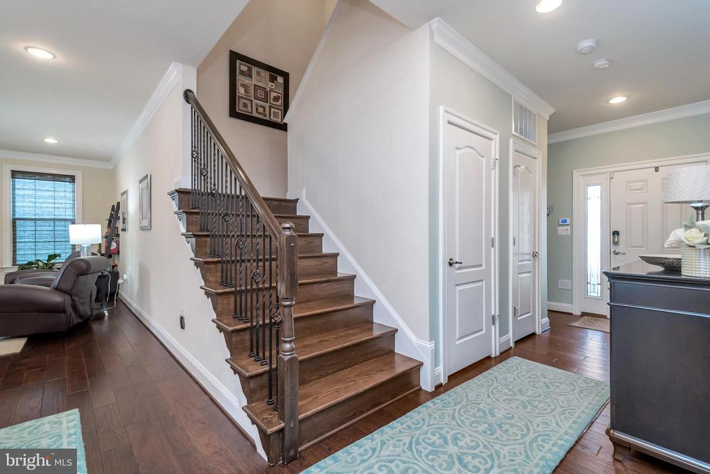 Stairs to Upper Level - 175 VERBENA DR, STAFFORD