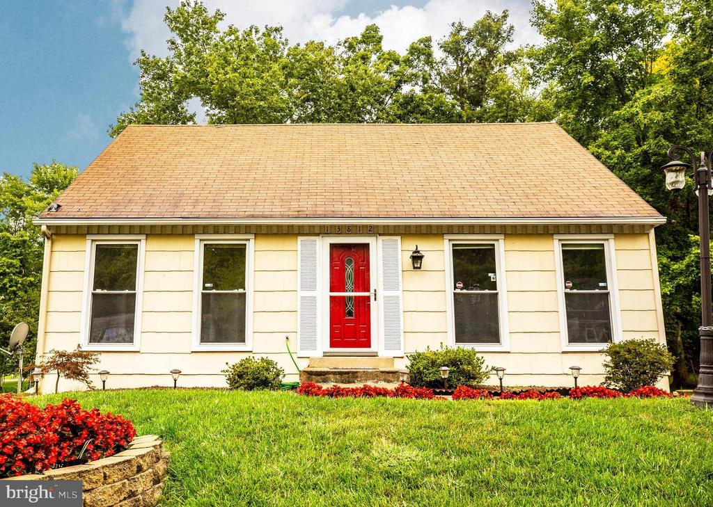 Welcome Home! Adorable Cape Cod! - 13812 MEADOWBROOK RD, WOODBRIDGE