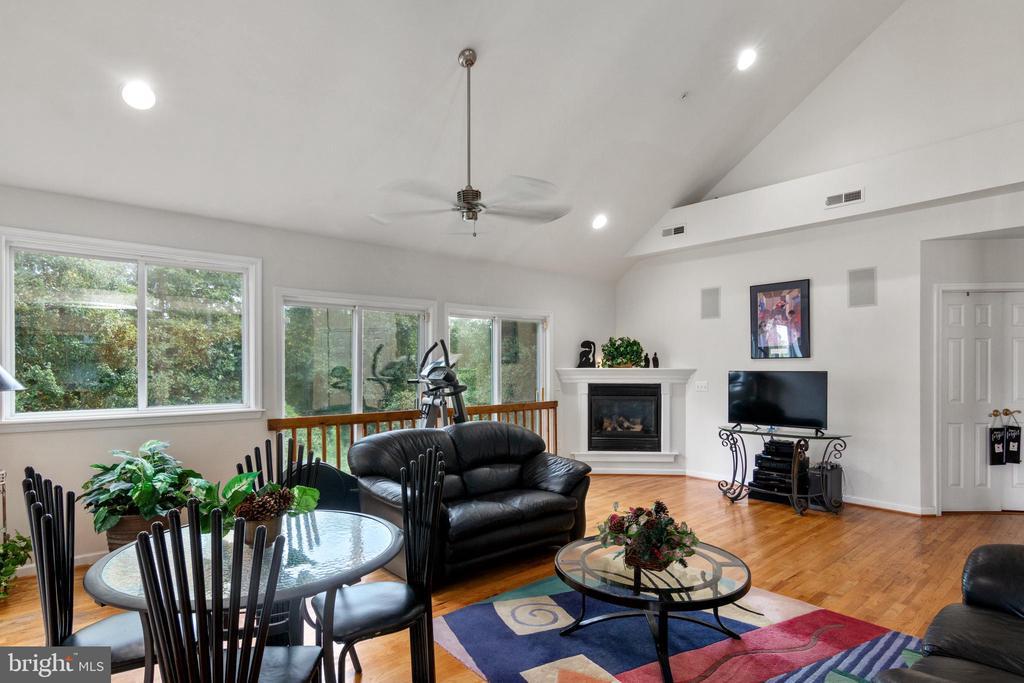 Living room - 2903 HILLSIDE AVE, CHEVERLY