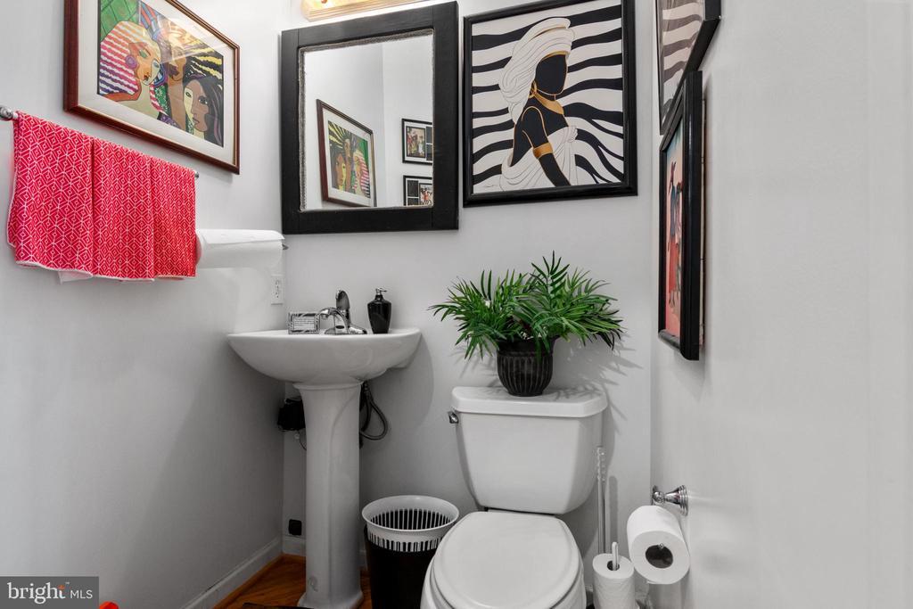 Power Bathroom - 2903 HILLSIDE AVE, CHEVERLY