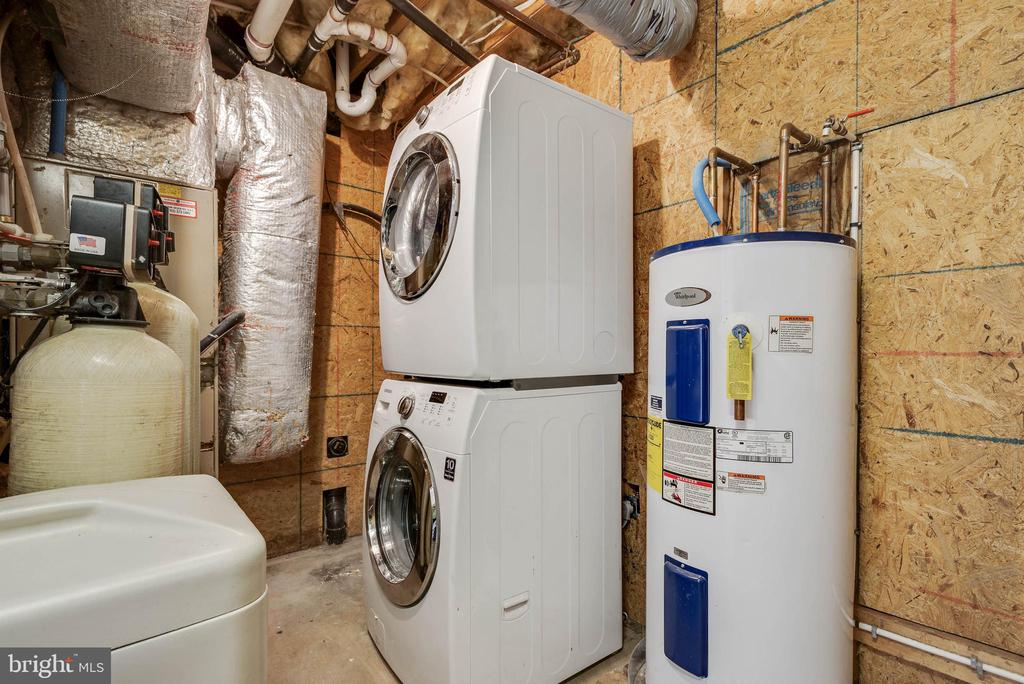front load Washer and Dryer - 105 ELEY RD, FREDERICKSBURG
