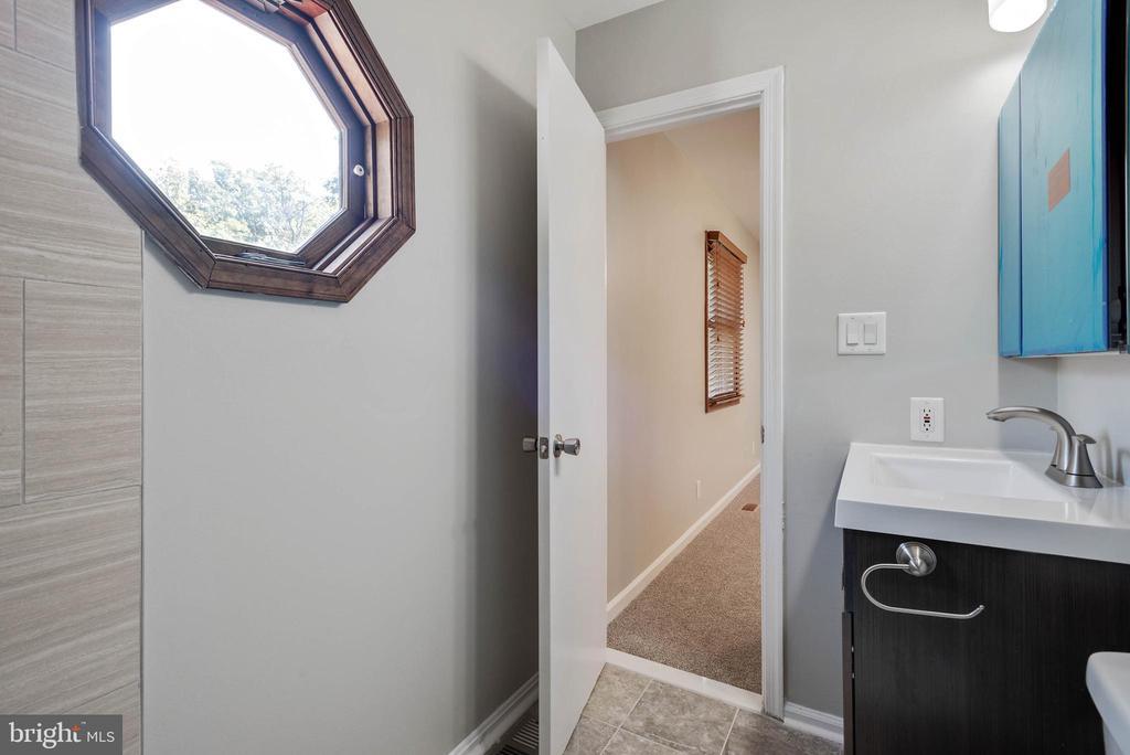 Master Bathroom - 105 ELEY RD, FREDERICKSBURG