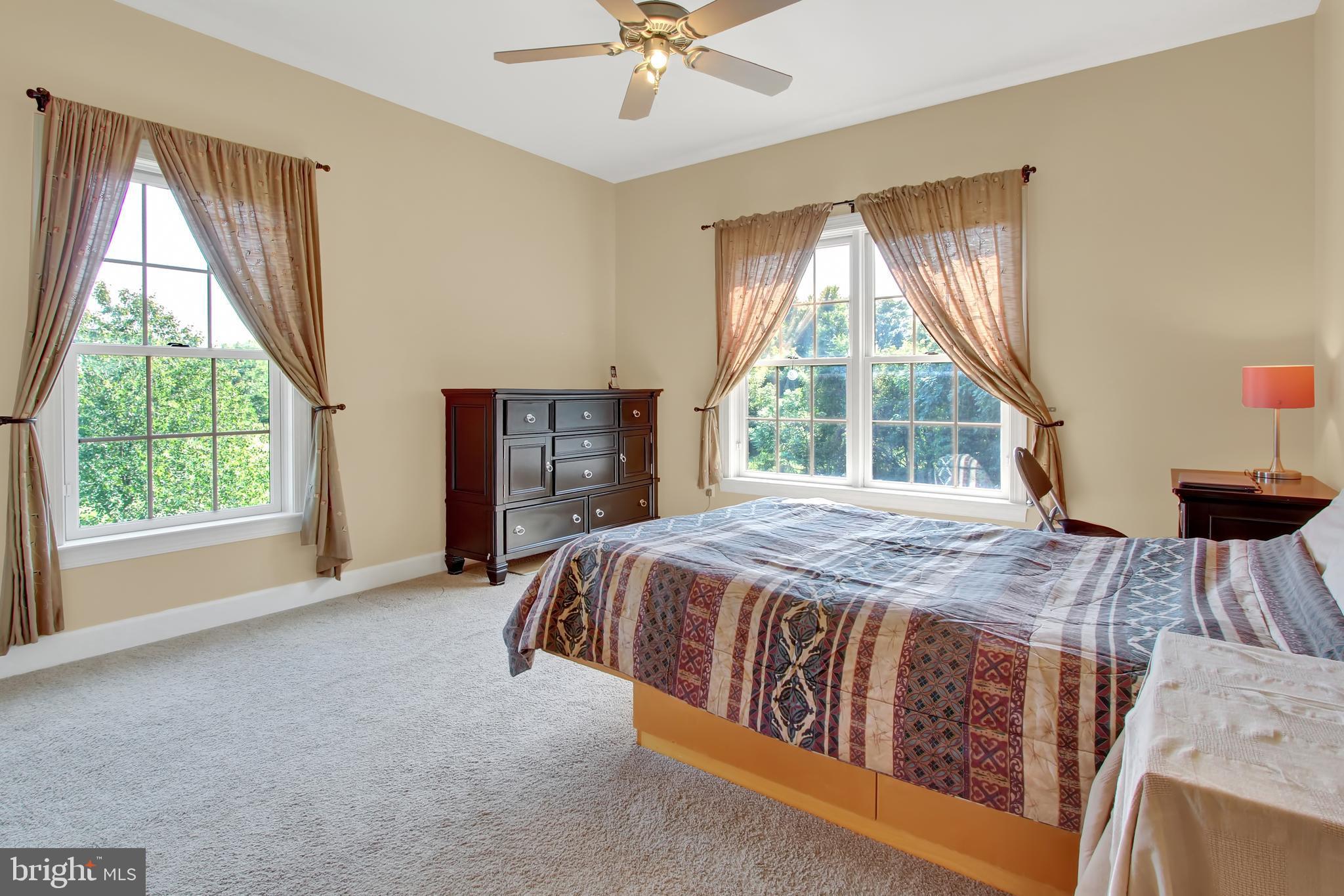 Large in-law suite with en-suite bath