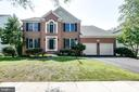 Welcome Home - 43349 ROYAL BURKEDALE ST, CHANTILLY