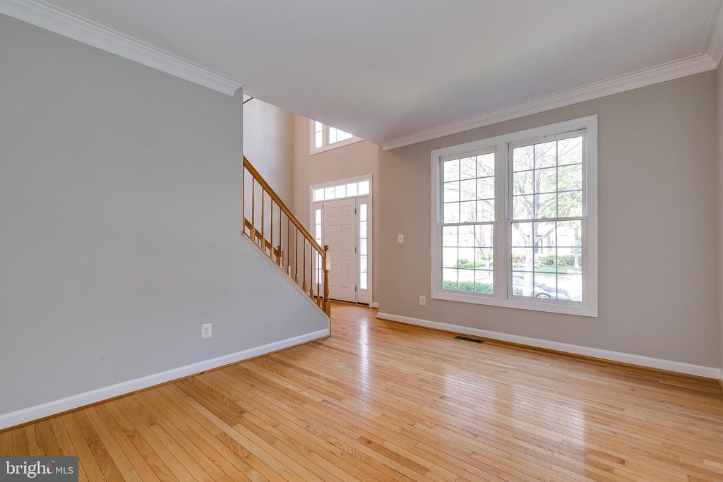 Living Room  with Beautiful Hardwood Floors - 43349 ROYAL BURKEDALE ST, CHANTILLY
