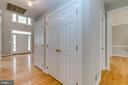 2 Story Foyer with Lots of Natural Light - 43349 ROYAL BURKEDALE ST, CHANTILLY