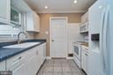 Kitchen with Corian - 912 WINGFIELD RD, WOODBRIDGE