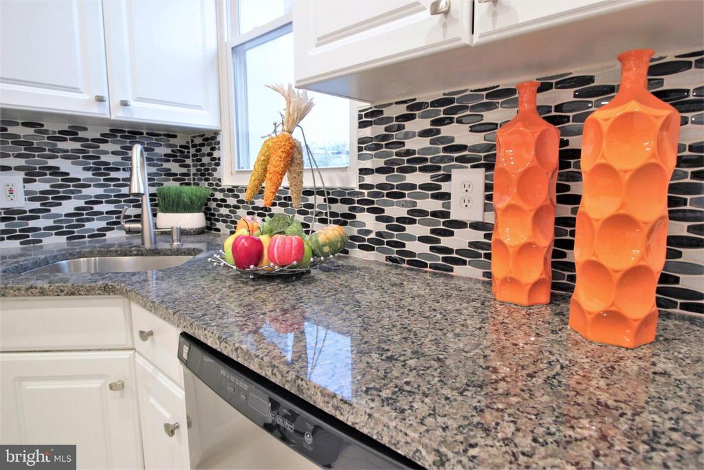 Granite Counter Top - 131 R ST NE, WASHINGTON