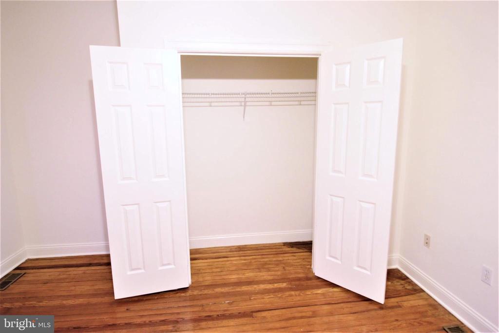 Master Bedroom w/ Hardwood Floors - 131 R ST NE, WASHINGTON