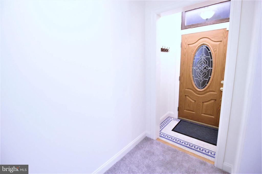 Inside Front Door - 131 R ST NE, WASHINGTON