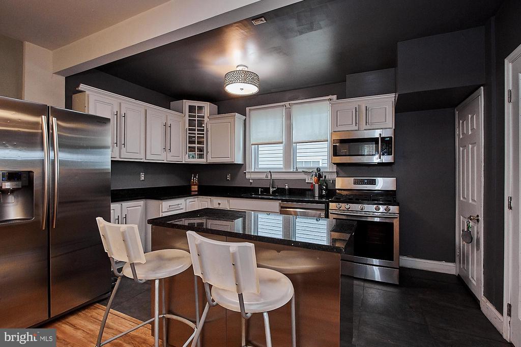 Kitchen - 2017 NEWTON ST NE, WASHINGTON