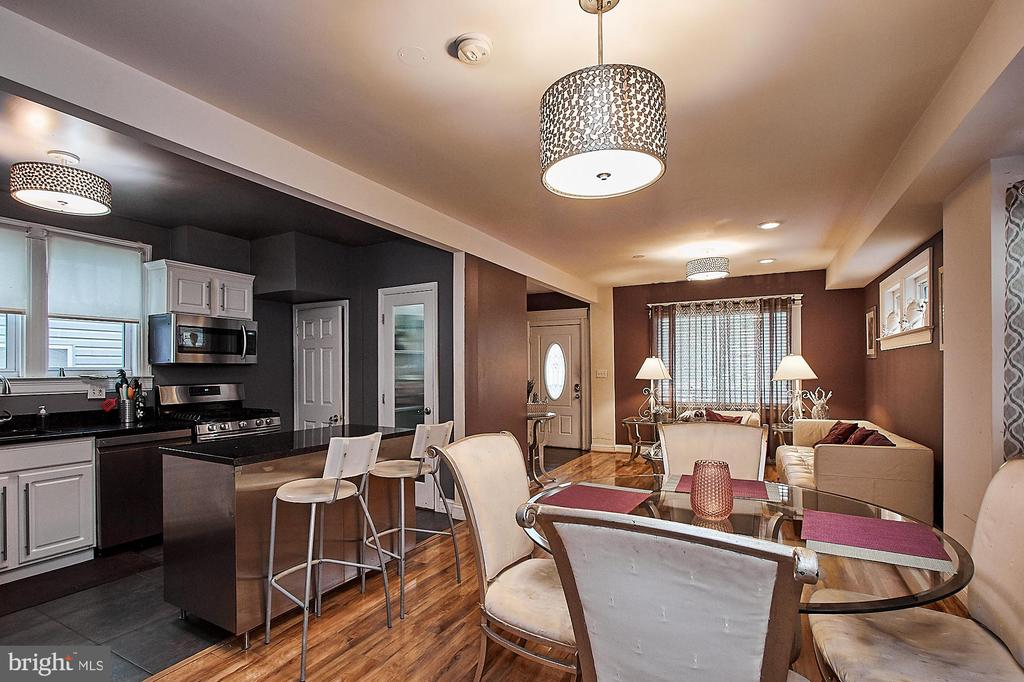 Kitchen/Dining/Living Open Concept - 2017 NEWTON ST NE, WASHINGTON