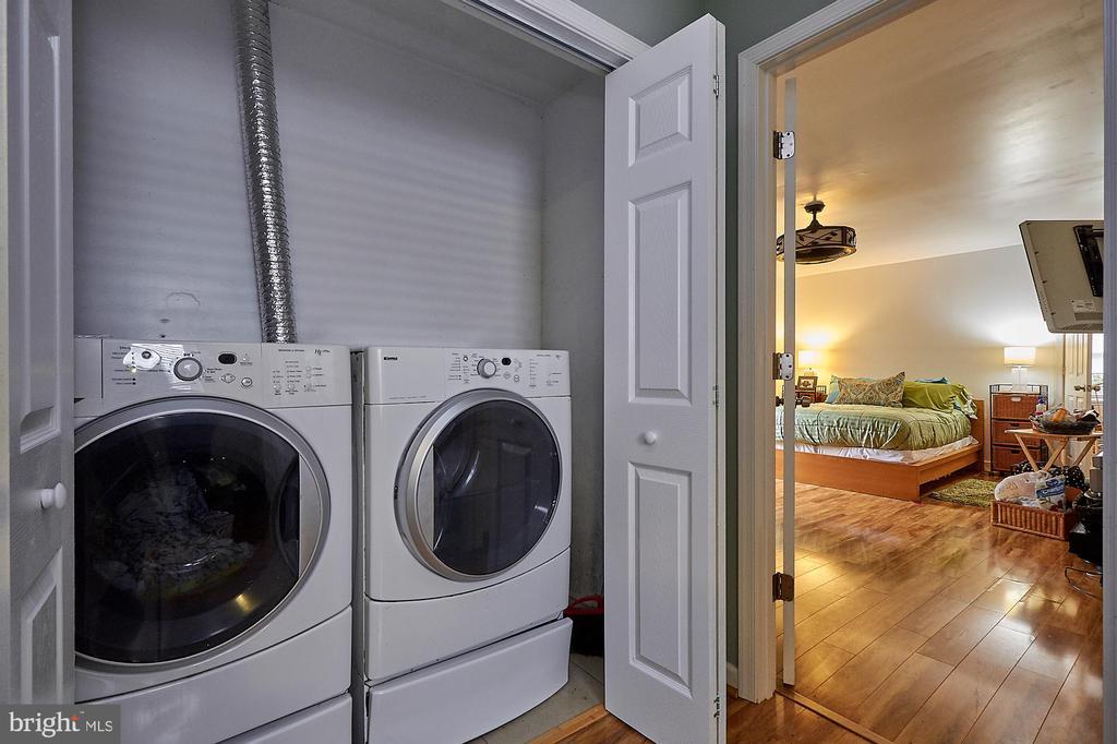 2nd  Floor Laundry - 2017 NEWTON ST NE, WASHINGTON