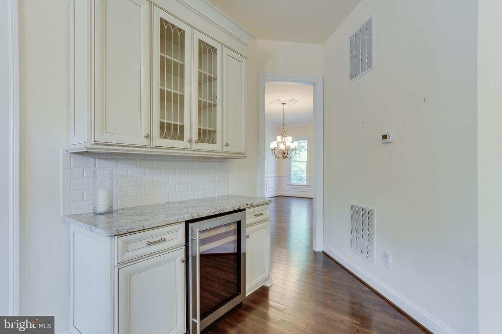 Wine cooler close to Family room. - 1709 BESLEY RD, VIENNA