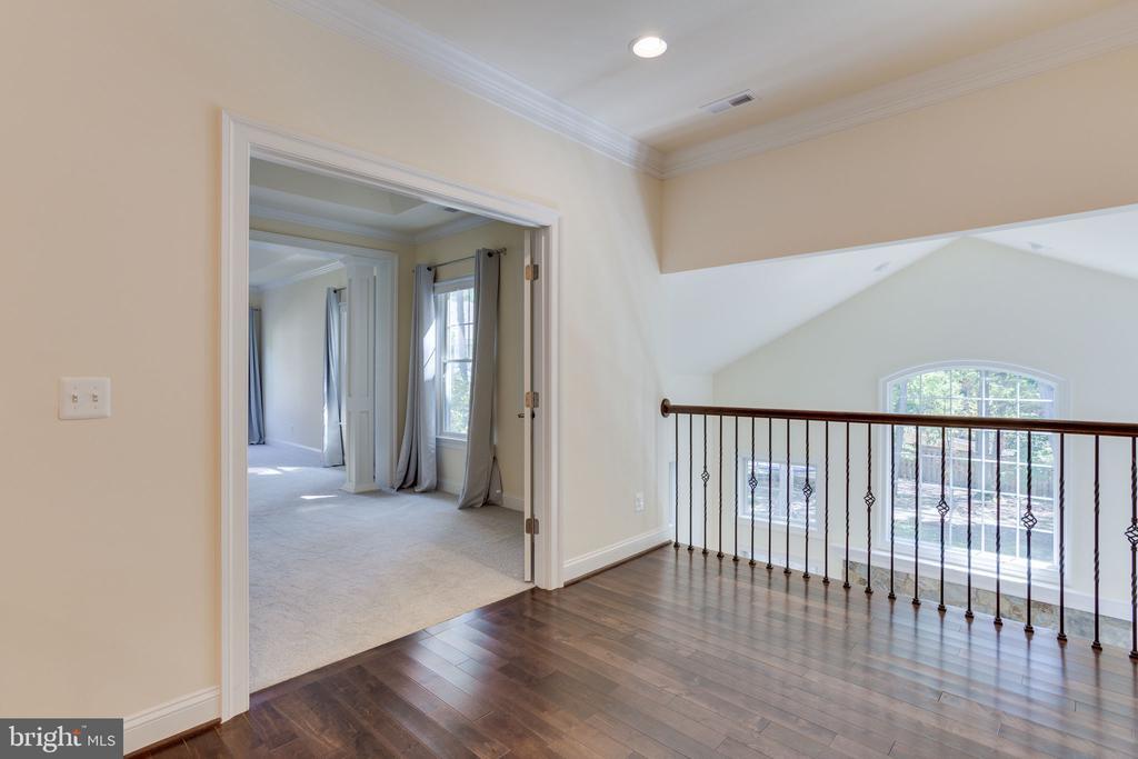 Hardwood on upstairs hallway. - 1709 BESLEY RD, VIENNA