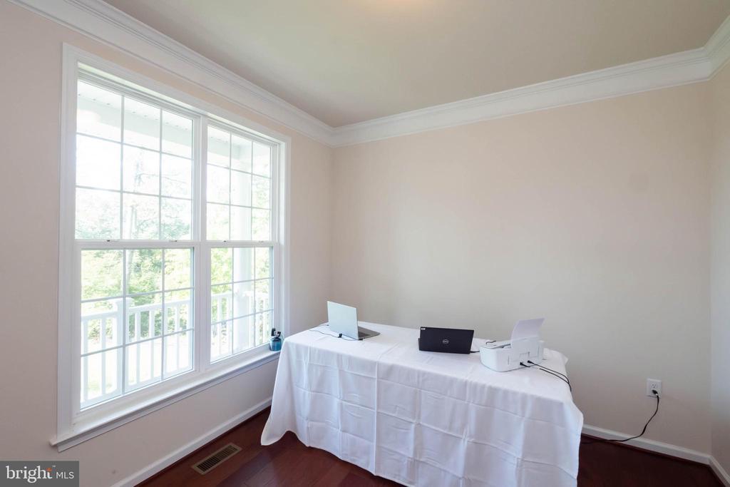 Office/Sitting Room - 17983 POSSUM POINT RD, DUMFRIES