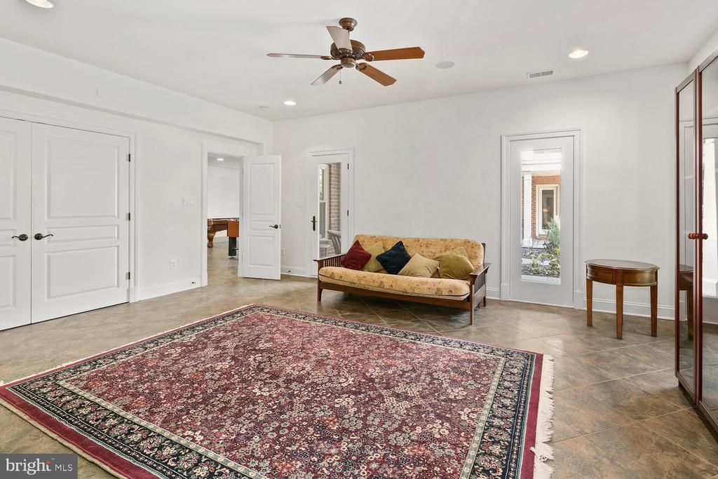 LL  en suite bedroom with door to terrace - 9110 DARA LN, GREAT FALLS