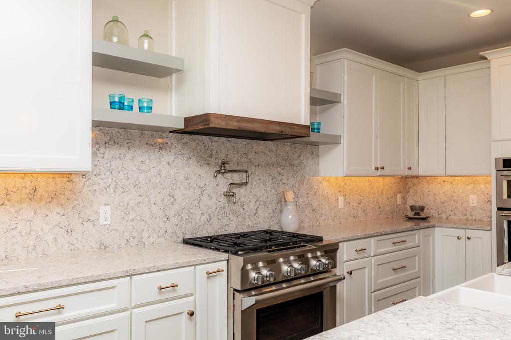 Notice the Upgraded Appliances - 10605 SPRINGVALE LN, SPOTSYLVANIA
