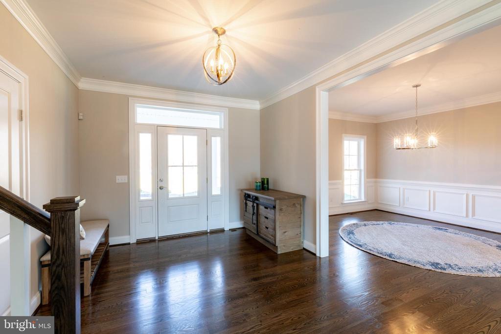 Large Open Foyer w/ Powder room and Dining Room - 10605 SPRINGVALE LN, SPOTSYLVANIA