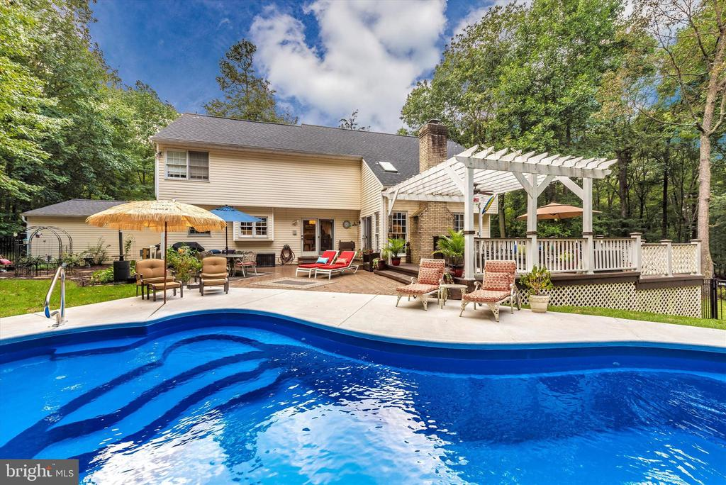 Vacation in your back yard - 5193 ALMERIA CT, MOUNT AIRY