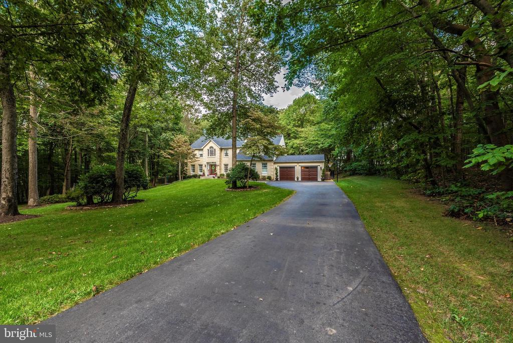 Curb Appeal! - 5193 ALMERIA CT, MOUNT AIRY