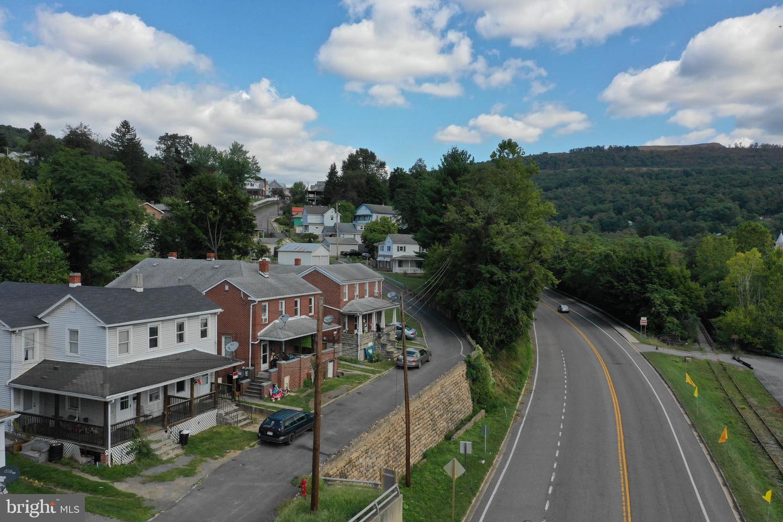 Duplex Homes för Försäljning vid Westernport, Maryland 21562 Förenta staterna