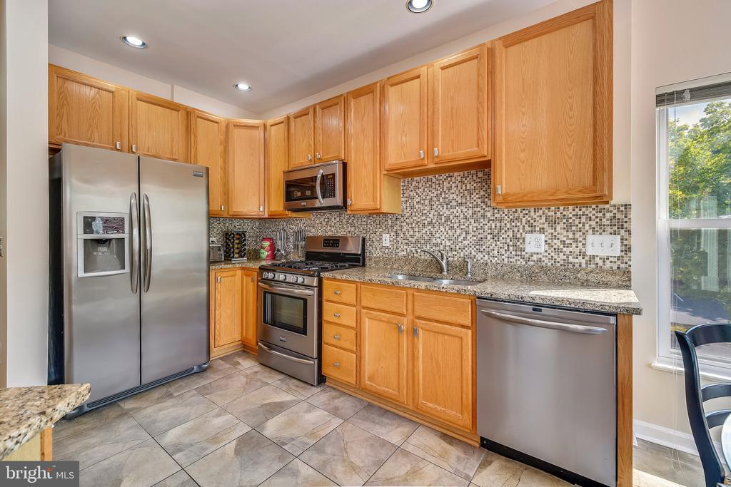 Kitchen - 20969 PROMONTORY SQ, STERLING