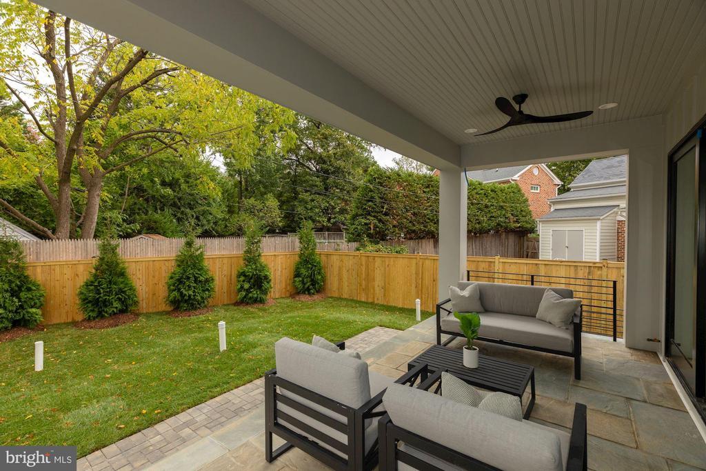 Fully Fenced yard - 3127 18TH ST N, ARLINGTON