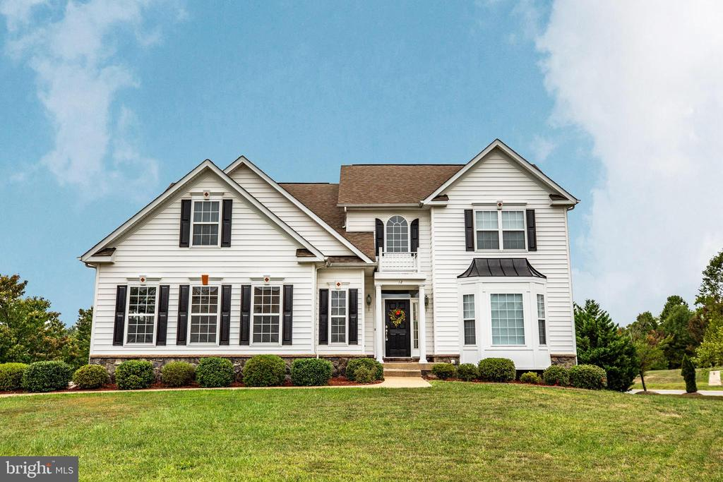 Contemporary Piccard Home with solid construction - 12 GABRIELS LN, FREDERICKSBURG