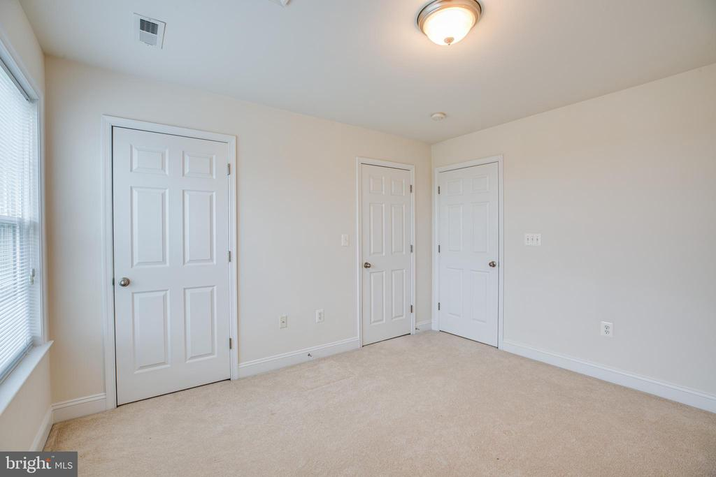Bedroom 4 has joined closets filling one wall - 12 GABRIELS LN, FREDERICKSBURG