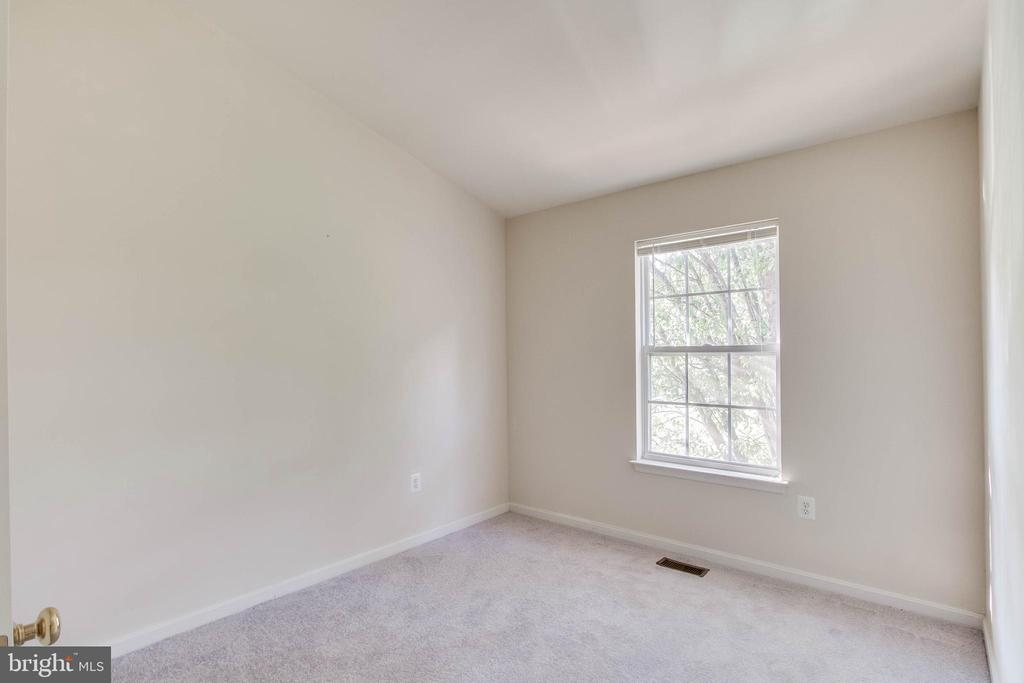 Second Bedroom - new carpet & paint! - 15085 GALAPAGOS PL, WOODBRIDGE