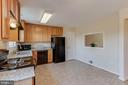 Lovely kitchen with pass through to living room - 15085 GALAPAGOS PL, WOODBRIDGE