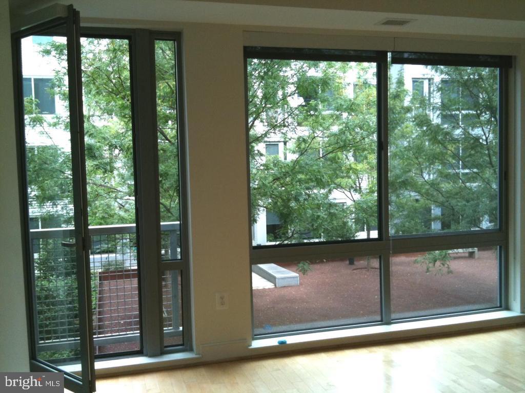 Serene courtyard view - 4101 ALBEMARLE ST NW #447, WASHINGTON