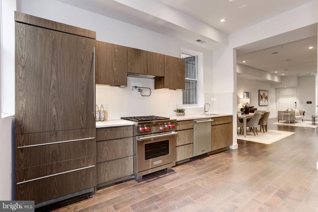 Kitchen - 651 MARYLAND AVE NE, WASHINGTON