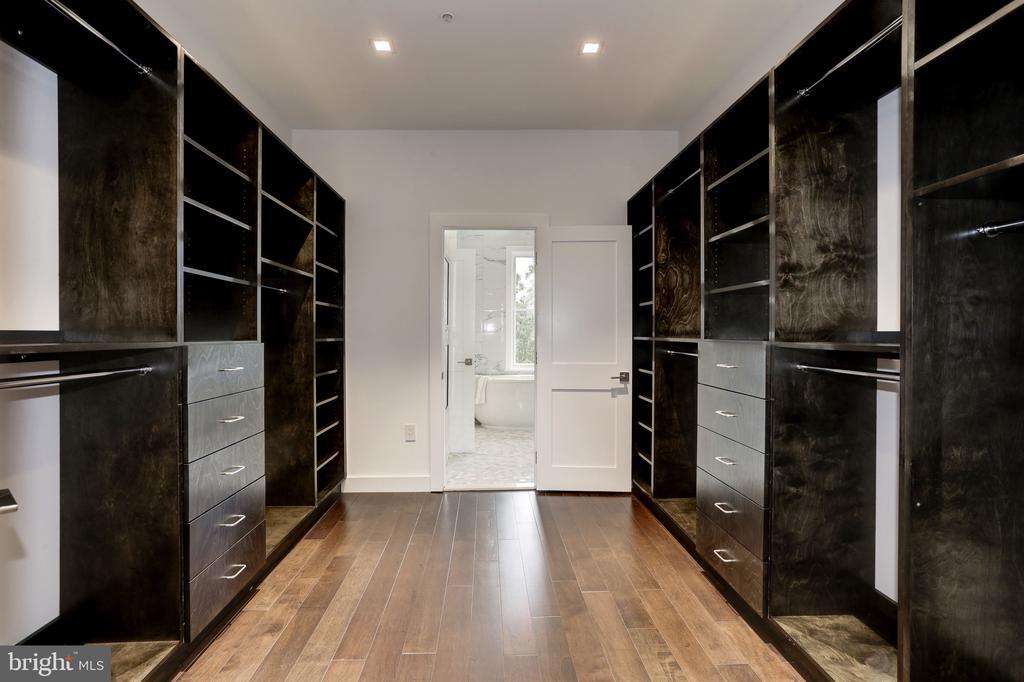 Master Closet - 651 MARYLAND AVE NE, WASHINGTON