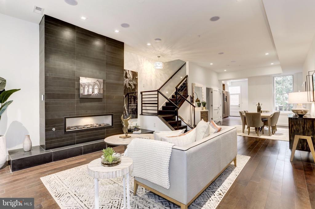 Living room - 651 MARYLAND AVE NE, WASHINGTON