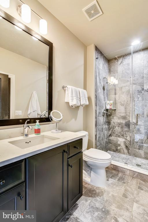 Bathroom - 20384 NORTHPARK DR, ASHBURN