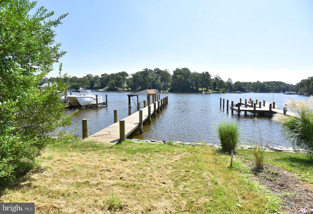 Stoney Creek waterfront with Private Pier. - 845 S SHORE DR, GLEN BURNIE