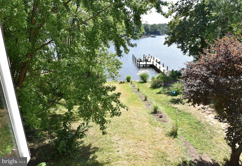Waterfront with gently  sloped yard - 845 S SHORE DR, GLEN BURNIE