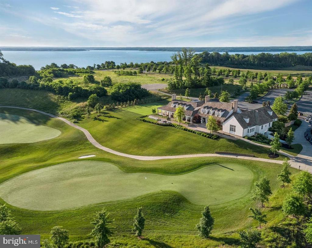 Signature Golf Course - 18083 RED MULBERRY RD, DUMFRIES