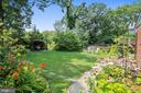 Divine parade of color in the garden! - 912 W BRADDOCK RD, ALEXANDRIA