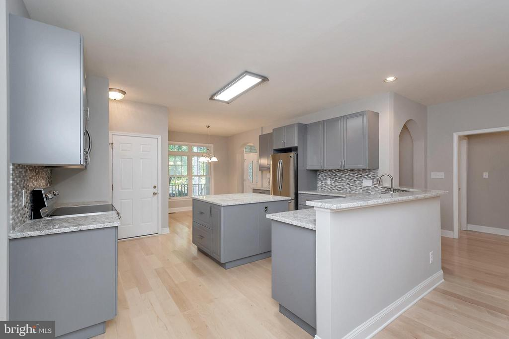 Newly renovated kitchen is the heart of the home! - 308 WILDERNESS DR, LOCUST GROVE