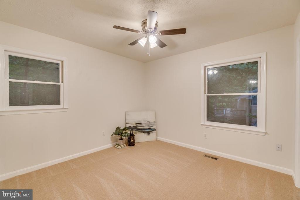 The large 2nd bedroom gets great natural light - 145 HARRISON CIR, LOCUST GROVE