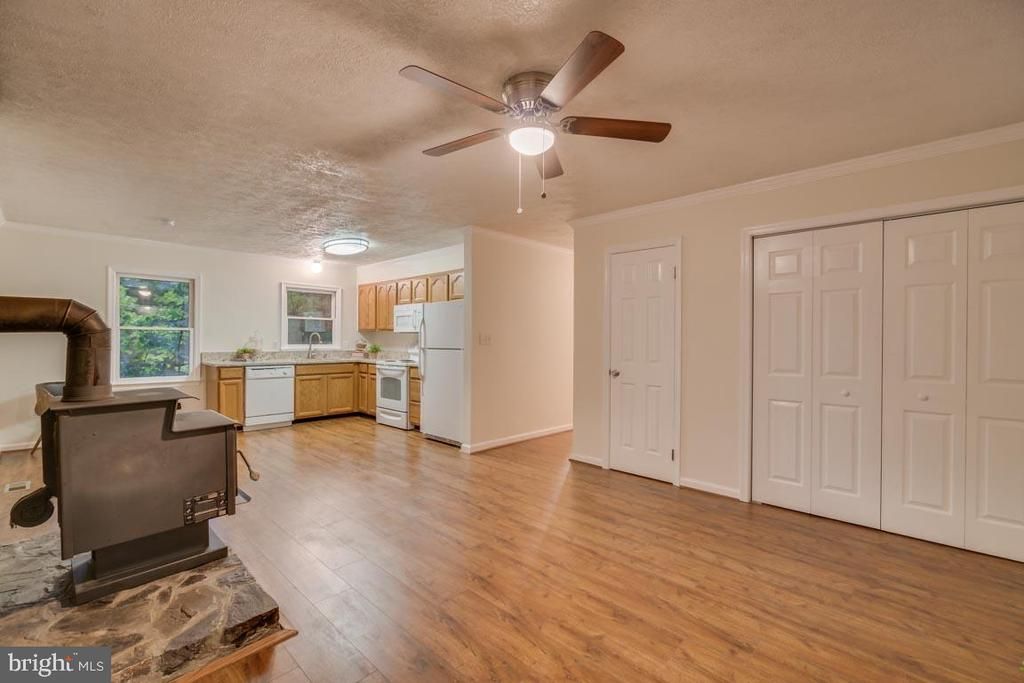 View of the pantry and laundry closet - 145 HARRISON CIR, LOCUST GROVE