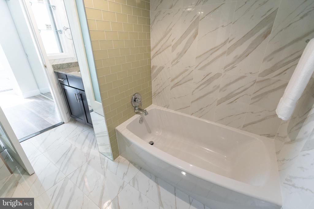 Master Bathroom - 1230 23RD ST NW #503, WASHINGTON