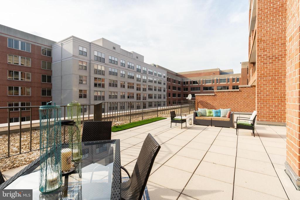 1,000 sqft Patio Terrace - 1230 23RD ST NW #503, WASHINGTON