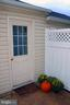 garage access - 26145 NIMBLETON SQ, CHANTILLY